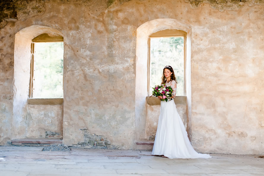 Braut in wundervollem Ambiente - Toskanafeeling