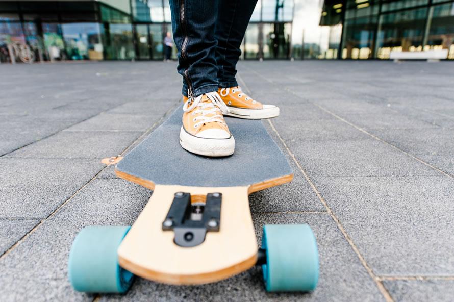 Katja und ihr Skateboard