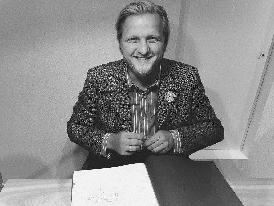 Steffen Böttcher Stilpirat lächelt mich an